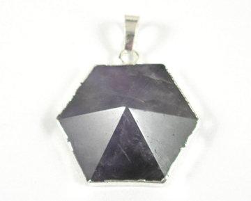 Amethist hexagoon hanger
