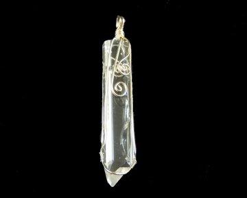 Bergkristal hanger in metaal