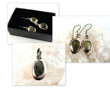 Moldaviet set: hanger en oorbellen in zilver